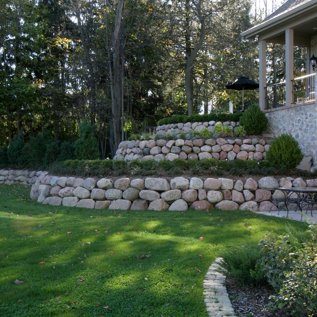 Landscape hardscape poblocki paving for Outdoor landscaping